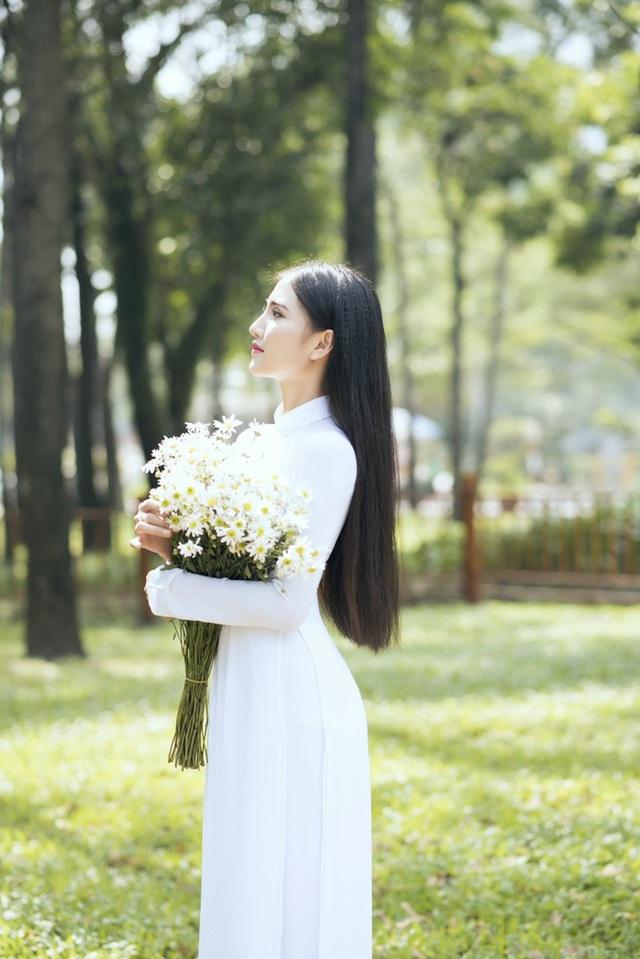 Hoa khôi Thùy Trang: Chừng nào Sài Gòn hết dịch, con về thăm nhà  - Ảnh 5.
