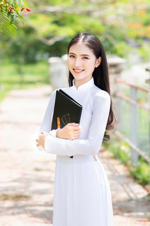 Hoa khôi Thùy Trang: Chừng nào Sài Gòn hết dịch, con về thăm nhà  - Ảnh 7.