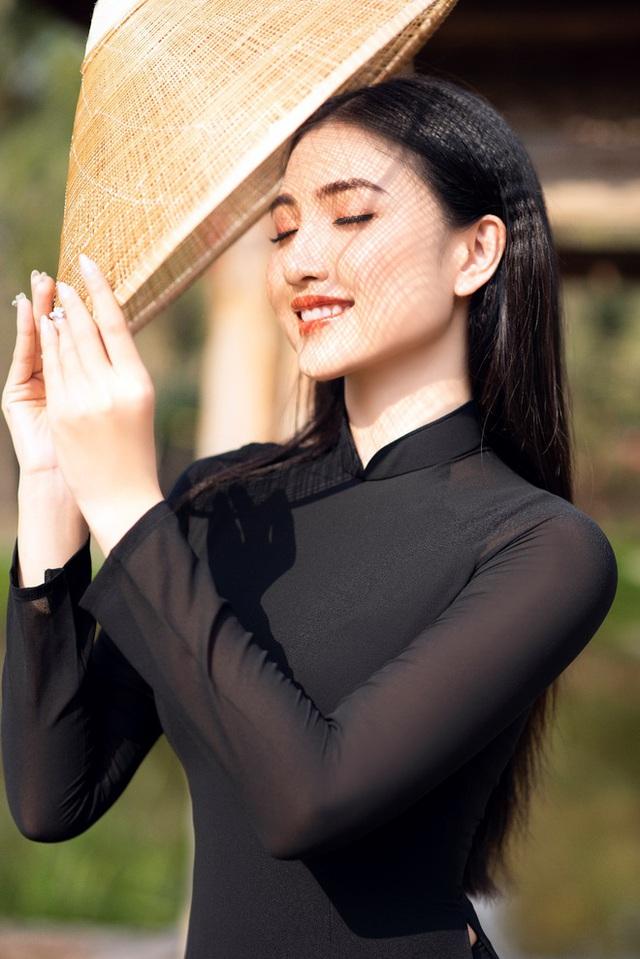Hoa khôi Thùy Trang: Chừng nào Sài Gòn hết dịch, con về thăm nhà  - Ảnh 10.