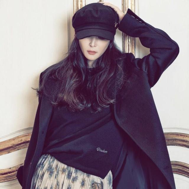 Phong cách hack tuổi của bà xã Jang Dong Gun - Ảnh 2.