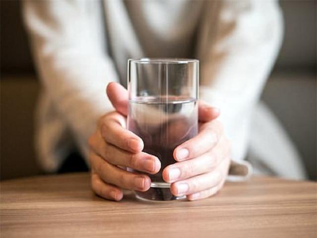 3 thói quen khi ngủ dậy vào buổi sáng hại gan hơn uống rượu: Nhiều người suy gan vẫn không biết vì sao - Ảnh 2.