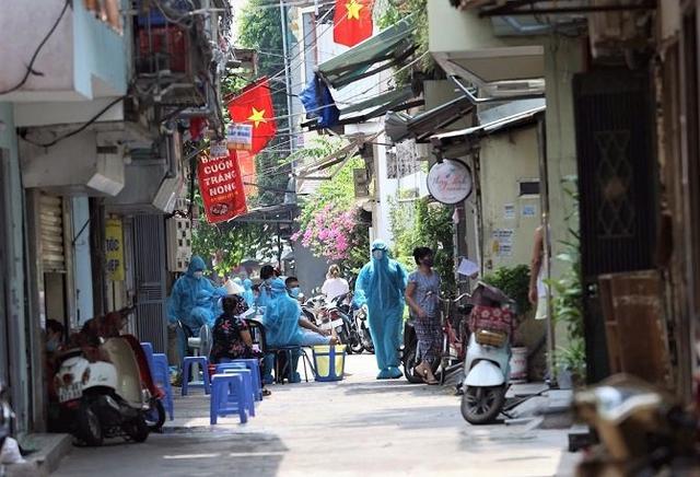 412 ca F0 liên quan ổ dịch Thanh Xuân Trung và 5 chùm ca bệnh cộng đồng phức tạp khác, Hà Nội khẩn trương xây dựng bài tập thể dục cho F0 - Ảnh 4.