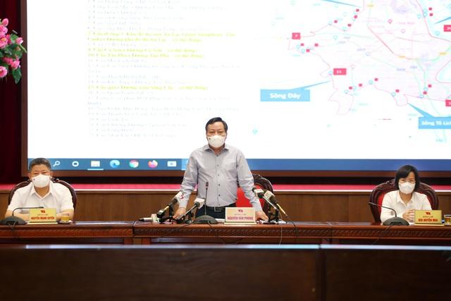 هانوی پس از 6 سپتامبر به اعمال فاصله ها و فاصله ها بر اساس مناطق ادامه می دهد - عکس 3.
