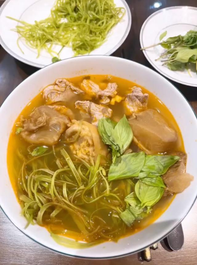 Chồng Bảo Thy chăm nấu ăn mùa dịch - Ảnh 2.