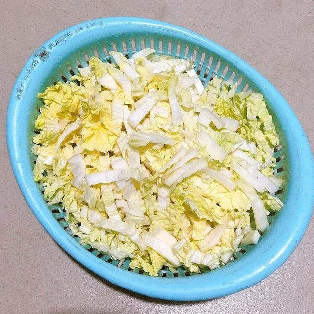 Không muốn tăng cân thì cứ nấu ngay bát canh này thay cơm cho bữa tối: Vừa ấm bụng, vừa đủ chất! - Ảnh 2.