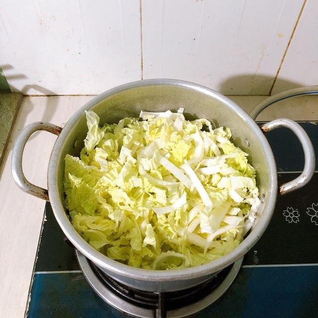 Không muốn tăng cân thì cứ nấu ngay bát canh này thay cơm cho bữa tối: Vừa ấm bụng, vừa đủ chất! - Ảnh 3.