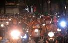 Hàng nghìn người đổ về khu vực hồ Gươm đón Trung thu như chưa hề có dịch
