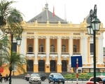Tranh cãi về màu sơn mới Nhà hát lớn Hà Nội: Chúng tôi còn đây mà các ông làm không ý kiến gì cả