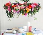 Tự làm đèn chùm hoa cho bữa ăn thêm ngọt ngào và lãng mạn