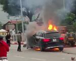 Chiến sỹ CSGT kể lại giây phút kéo người mắc kẹt ra khỏi gầm xe Mercedes đang rực lửa