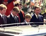Thái tử Charles cãi mẹ đi nhận xác Diana