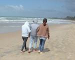 Chuyến du lịch hè định mệnh nghẹn ngào bên bãi biển