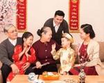 Bỏ mặc bố mẹ già đón Tết để đi du lịch là 'tân tiến' hay mất lễ nghĩa?