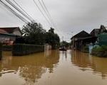 Sạt lở đất do lũ vùi chôn 6 người trong một gia đình ở Quảng Trị
