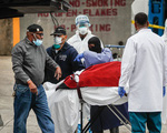 Số ca tử vong vượt mốc 20.000 người, Mỹ bỏ lỡ thời cơ vì không học kinh nghiệm từ các nước