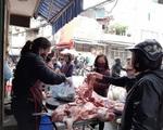 Giá thịt lợn tăng khủng khiếp lập đỉnh cao mới, ai còn dám mua ăn?