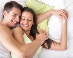 'Ngủ đông với sex' vì nóng nực, chồng nhói tim khi đọc được tin nhắn của vợ với bạn thân