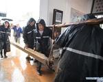 'Số nhọ' như Vũ Hán: Dịch bệnh chưa qua, lũ lụt đã đến, người dân oằn mình chịu đựng