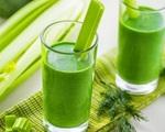 Uống 1 ly nước ép cần tây mỗi ngày có tác dụng gì mà chị em nháo nhào đổ xô làm nhiều tháng qua?
