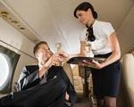 Góc khuất không thể tưởng tượng nổi đằng sau vẻ hào nhoáng của nghề tiếp viên hàng không
