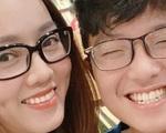 """Bạn gái kém 15 tuổi selfie vui vẻ bên con riêng của Công Lý, """"vợ cũ"""" MC Thảo Vân liền có bình luận hé lộ mối quan hệ"""