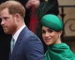 Vợ chồng Meghan Markle - Hoàng tử Harry chính thức bị cắt bỏ mọi quyền lợi, tước vị tại Hoàng gia Anh