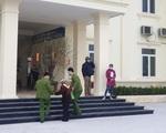 Chính phủ yêu cầu không 'làm quá', Hải Phòng vẫn bắt có 'giấy đi lại': Dân hối hả hỏi nhau làm sao để về