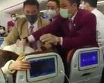 Trung Quốc trừng phạt phi công đánh gãy tay tiếp viên hàng không