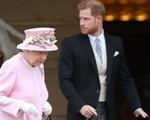 Đây chính là lý do khiến Nữ hoàng Anh hết lần này đến lần khác tha thứ và che chở cho vợ chồng Meghan Markle - Harry?