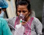 Ấn Độ: Nỗi ám ảnh của bác sĩ khi nghe âm thanh này trong quá trình điều trị COVID-19