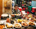 Quán cơm tấm gắn với cái tên cực mất vệ sinh nhưng lúc nào khách cũng đông nghìn nghịt ở Sài Gòn