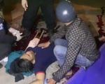 Nam công nhân bị chém gần lìa cánh tay khi vừa tan ca
