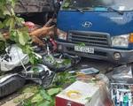 Tài xế xe đầu kéo chia sẻ về việc bẻ lái, tông nát 13 xe máy để cứu 2 người