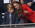 Hoàng tử bé bị tấn công trên mạng xã hội, Công nương Kate buộc phải đưa ra quyết định quan trọng để bảo vệ con trai