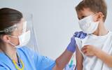 Mỹ bắt đầu tiêm vaccine COVID-19 cho cả trẻ em