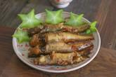 Bữa tối đơn giản với cá bống kho gừng và canh rau dền