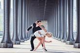 Cặp đôi đi vòng quanh thế giới để nhảy điệu Tango