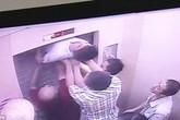 Hãi hùng người đàn ông suýt đứt đôi người vì cố thoát khỏi thang máy bị kẹt