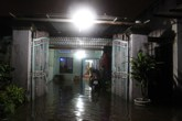 Triều cường dân cao, dân Sài Gòn vật vã trong đêm tối