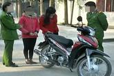 Đánh mất iphone 5, hai nữ sinh cấp 3 rủ nhau trộm xe máy