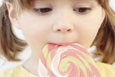 Bé 5 tuổi, có nên nhổ răng hàm bị sâu?
