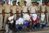 Thiếu nữ 17 tuổi bị 11 người cưỡng hiếp