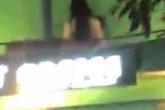 Hà Nội: Quay clip 'cảnh nóng' đôi trẻ trên mái nhà rồi hò reo