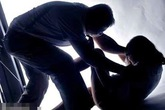 Nhẹ dạ, thiếu nữ 16 tuổi bị cưỡng hiếp nhiều lần
