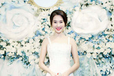 Hoa hậu Đặng Thu Thảo khoe vai trần gợi cảm