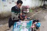 Vợ bỏ đi không lý do, chồng và con trai chạy xe máy khắp Việt Nam đi tìm vợ