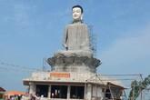Tượng Phật cao 45 m bất ngờ đổ sập