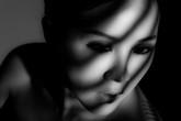 Hoa hậu Thu Hoài gây ấn tượng với bộ ảnh đen trắng