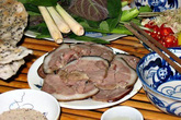 Chuyện cả làng ăn thịt chó ngày Tết ở Hà Nội