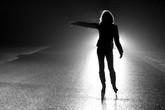 Rùng rợn chuyện hồn ma nữ xin đi nhờ xe trong đêm tối